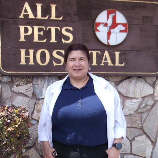 https://cdn.bakemorepies.com/wp/avg_allpets/uploads/2020/05/Dr-Melissa-Rivera.jpg